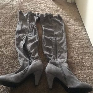 Shoes - Gray suede boots